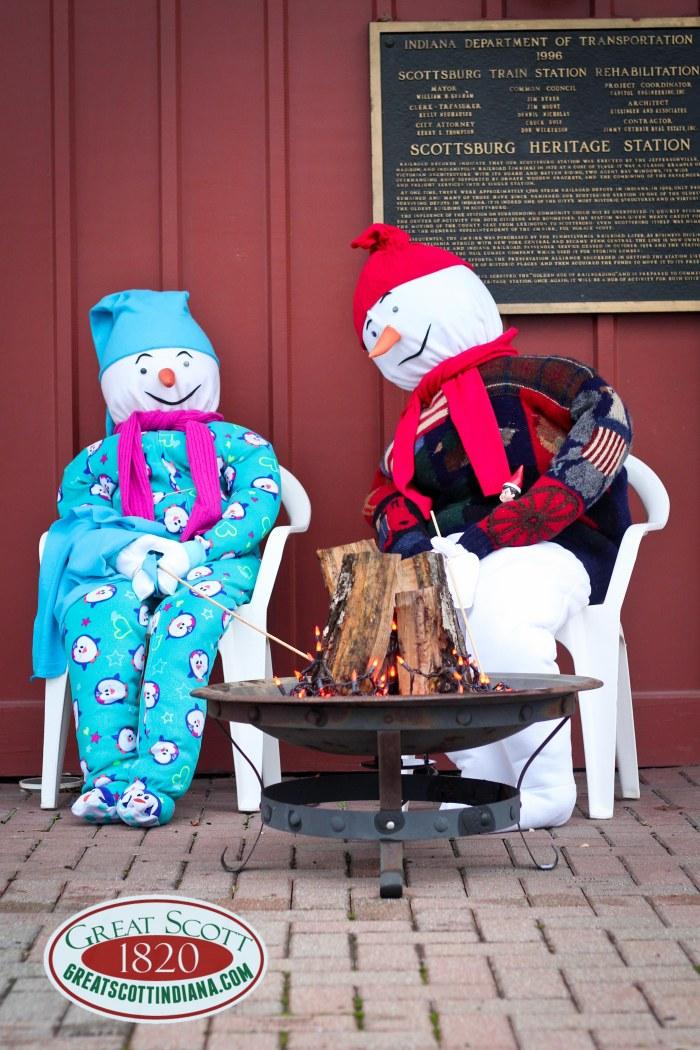 Visitors Commission Snowmen!